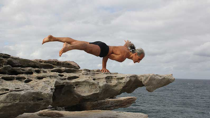 Applied Anatomy and Physiology of Yoga with Simon Borg-Olivier